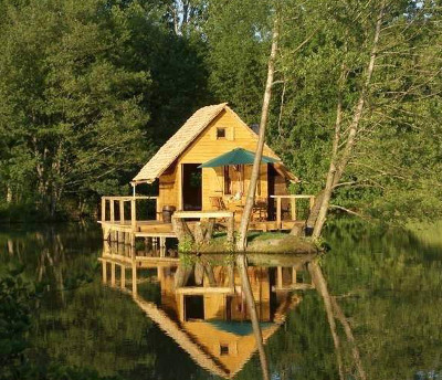 plan cabane en bois plans de construction a telecharger. Black Bedroom Furniture Sets. Home Design Ideas